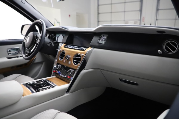 Used 2019 Rolls-Royce Cullinan for sale $349,900 at Maserati of Greenwich in Greenwich CT 06830 14