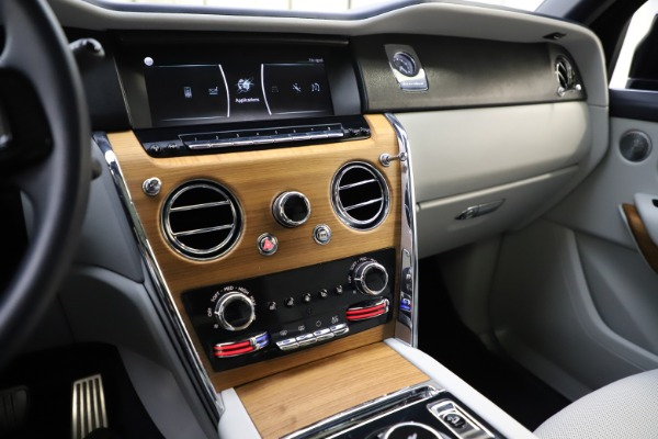 Used 2019 Rolls-Royce Cullinan for sale $349,900 at Maserati of Greenwich in Greenwich CT 06830 28