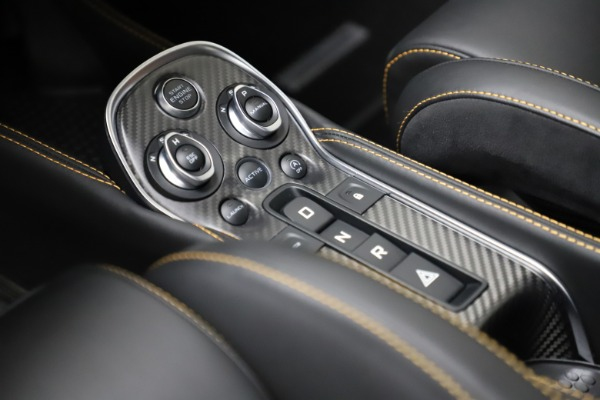 Used 2019 McLaren 600LT for sale $223,900 at Maserati of Greenwich in Greenwich CT 06830 17