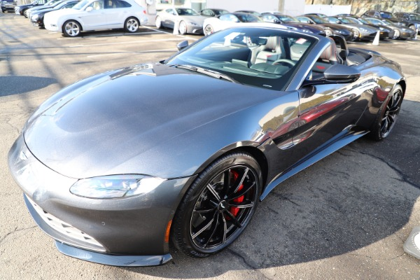 New 2021 Aston Martin Vantage Roadster Convertible for sale $178,186 at Maserati of Greenwich in Greenwich CT 06830 28
