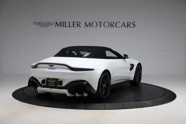 New 2021 Aston Martin Vantage Roadster Convertible for sale $189,186 at Maserati of Greenwich in Greenwich CT 06830 24