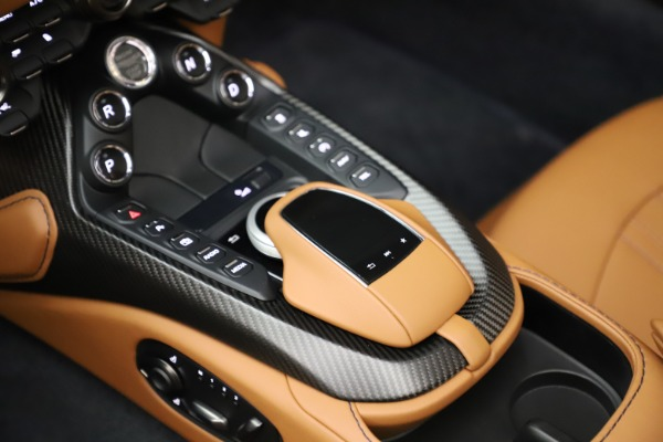 New 2021 Aston Martin Vantage Roadster Convertible for sale $205,686 at Maserati of Greenwich in Greenwich CT 06830 18