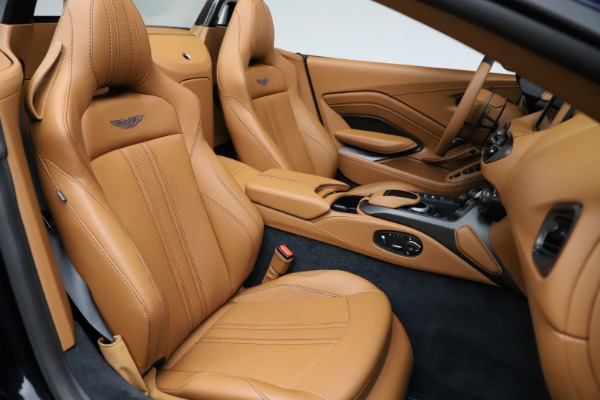 New 2021 Aston Martin Vantage Roadster Convertible for sale $205,686 at Maserati of Greenwich in Greenwich CT 06830 21