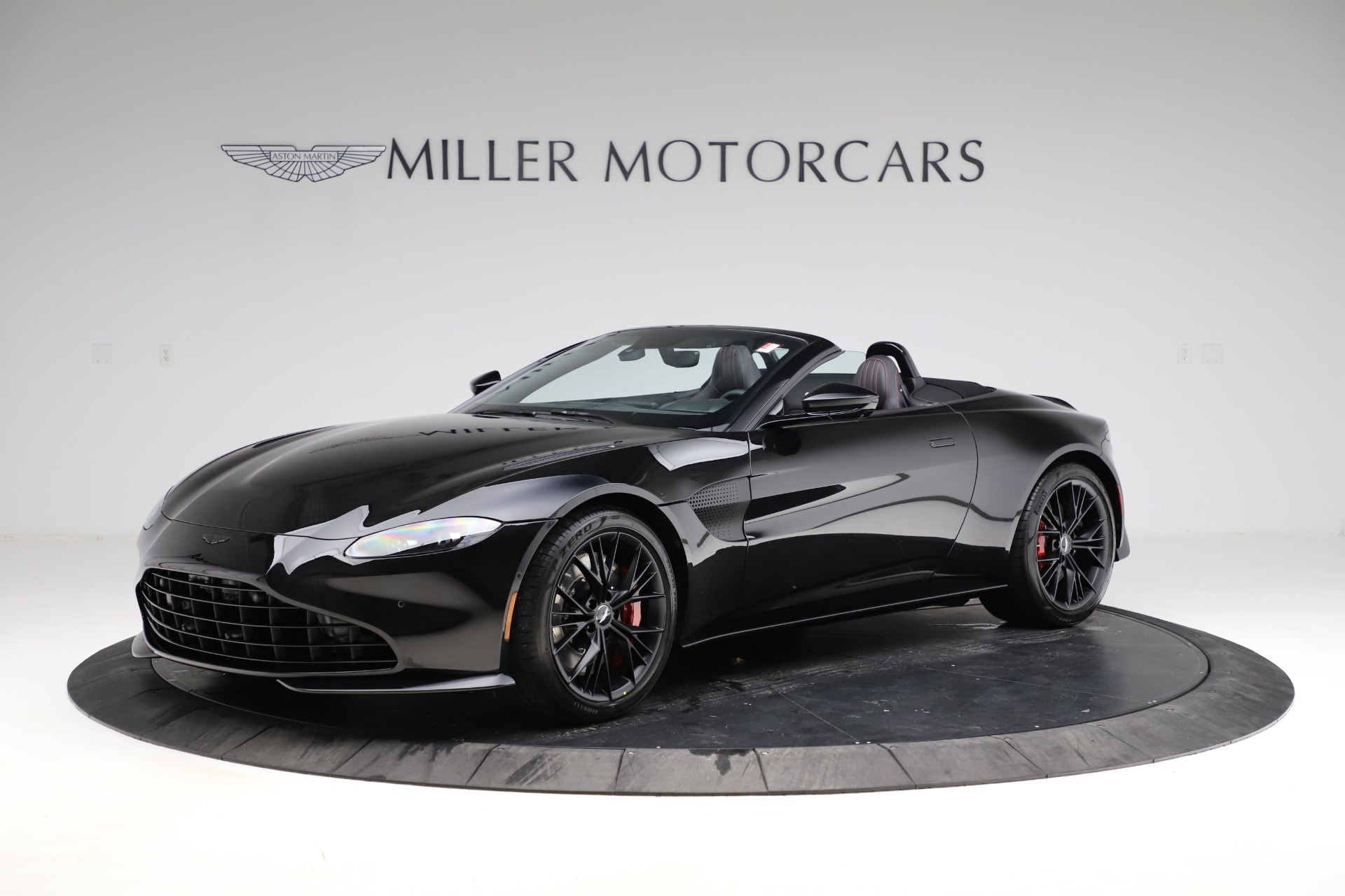 New 2021 Aston Martin Vantage Roadster Convertible for sale $189,186 at Maserati of Greenwich in Greenwich CT 06830 1