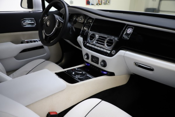 Used 2014 Rolls-Royce Wraith for sale Sold at Maserati of Greenwich in Greenwich CT 06830 16