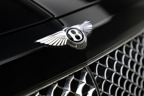 Used 2018 Bentley Bentayga W12 Signature for sale $154,900 at Maserati of Greenwich in Greenwich CT 06830 15