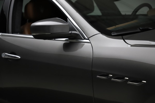 Used 2018 Maserati Ghibli SQ4 GranLusso for sale Call for price at Maserati of Greenwich in Greenwich CT 06830 27