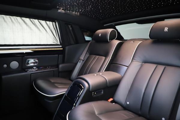 Used 2015 Rolls-Royce Phantom EWB for sale $279,900 at Maserati of Greenwich in Greenwich CT 06830 14