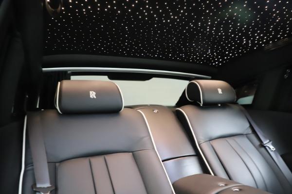 Used 2015 Rolls-Royce Phantom EWB for sale $279,900 at Maserati of Greenwich in Greenwich CT 06830 25