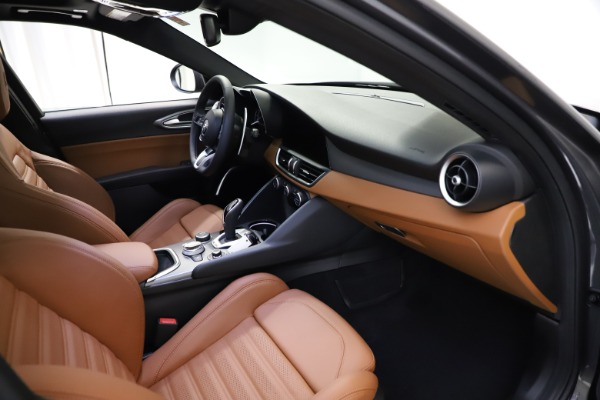 New 2021 Alfa Romeo Giulia Ti Sport Q4 for sale $52,100 at Maserati of Greenwich in Greenwich CT 06830 17