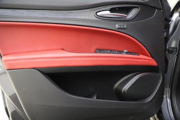 New 2021 Alfa Romeo Stelvio Q4 for sale $48,050 at Maserati of Greenwich in Greenwich CT 06830 17