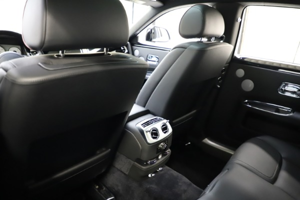 Used 2016 Rolls-Royce Ghost for sale $165,900 at Maserati of Greenwich in Greenwich CT 06830 16