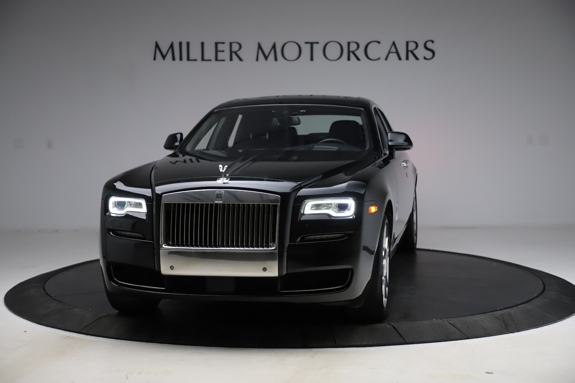 Used 2016 Rolls-Royce Ghost for sale $165,900 at Maserati of Greenwich in Greenwich CT 06830 1