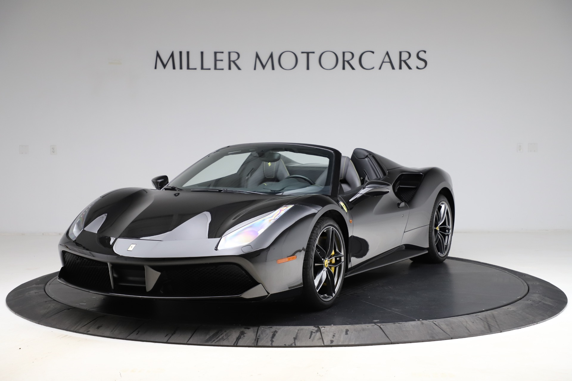 Used 2017 Ferrari 488 Spider for sale $284,900 at Maserati of Greenwich in Greenwich CT 06830 1