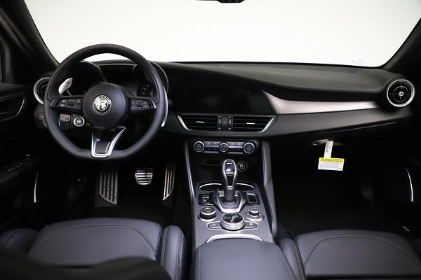 New 2021 Alfa Romeo Giulia Ti Sport Q4 for sale $53,850 at Maserati of Greenwich in Greenwich CT 06830 17