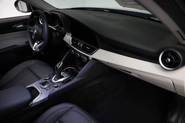 New 2021 Alfa Romeo Giulia Q4 for sale $46,895 at Maserati of Greenwich in Greenwich CT 06830 22