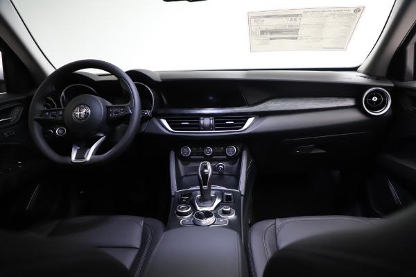 New 2021 Alfa Romeo Stelvio Q4 for sale Sold at Maserati of Greenwich in Greenwich CT 06830 18