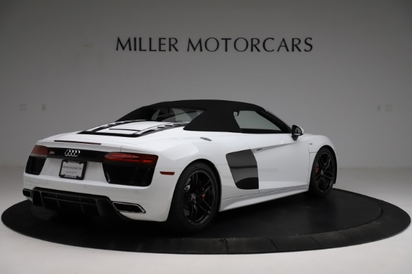 Used 2018 Audi R8 Spyder for sale $154,900 at Maserati of Greenwich in Greenwich CT 06830 17