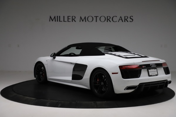 Used 2018 Audi R8 Spyder for sale $154,900 at Maserati of Greenwich in Greenwich CT 06830 18