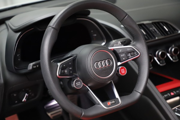 Used 2018 Audi R8 Spyder for sale $154,900 at Maserati of Greenwich in Greenwich CT 06830 24