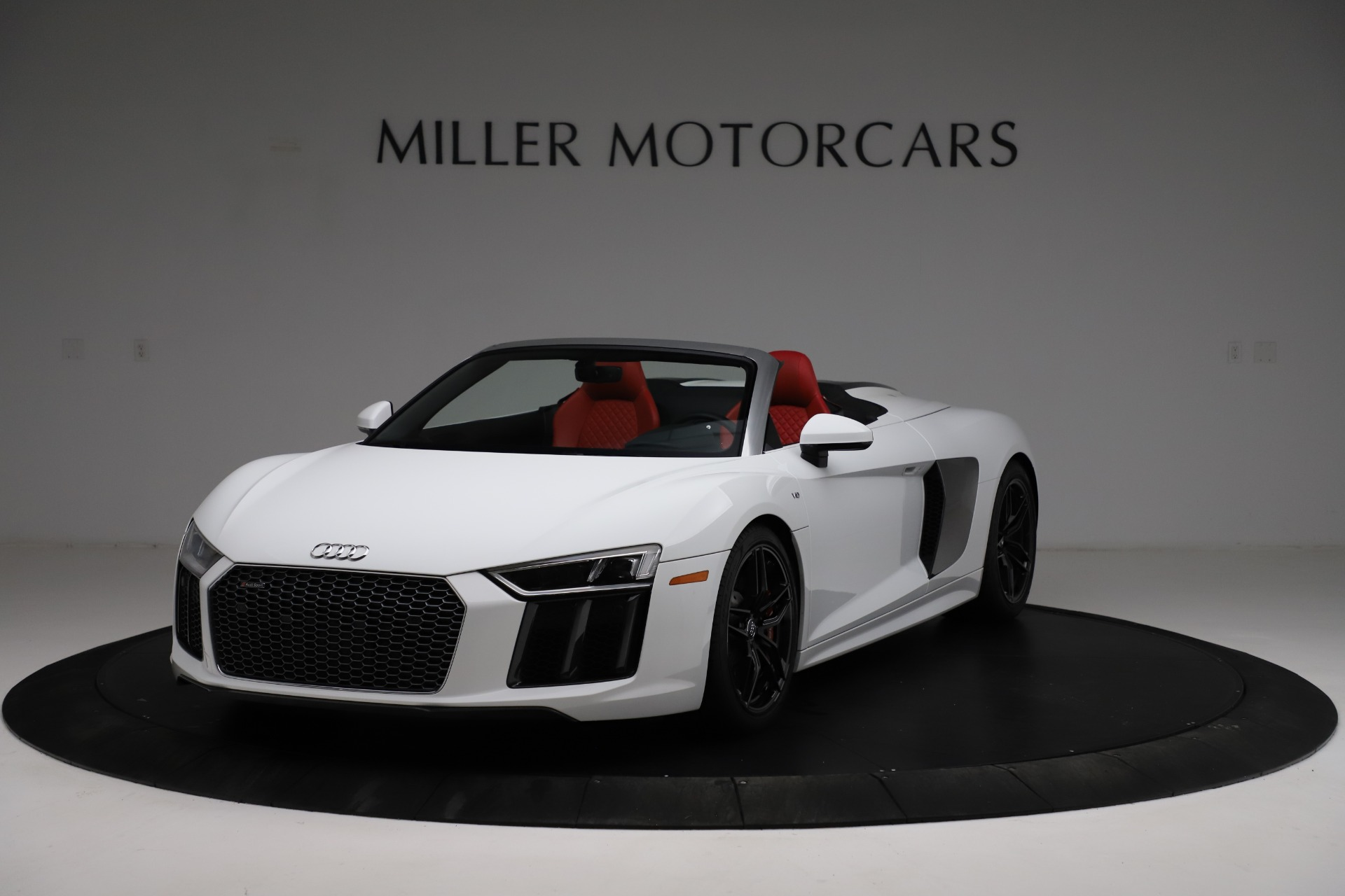 Used 2018 Audi R8 Spyder for sale $154,900 at Maserati of Greenwich in Greenwich CT 06830 1