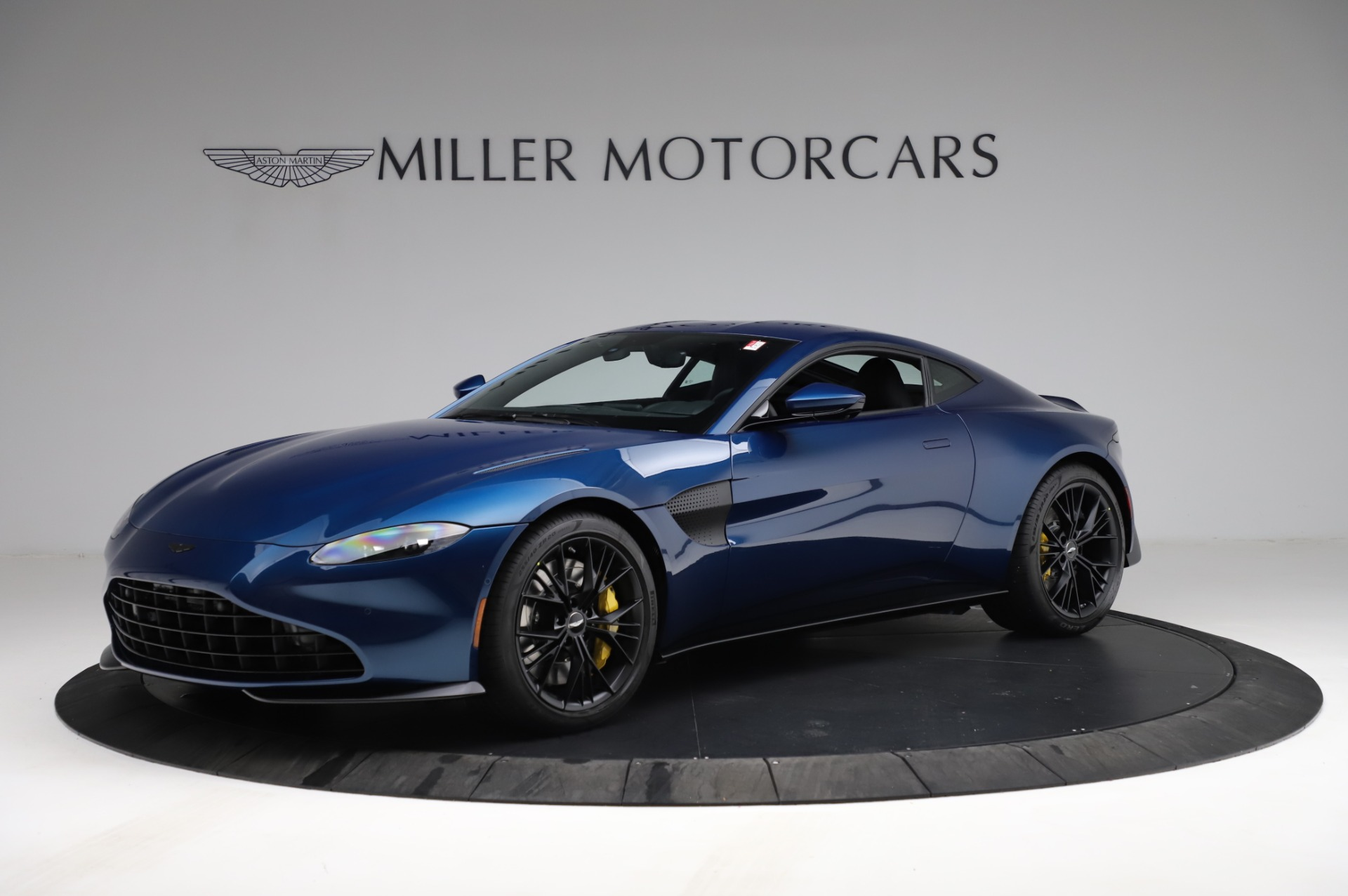 New 2021 Aston Martin Vantage Coupe for sale $179,386 at Maserati of Greenwich in Greenwich CT 06830 1