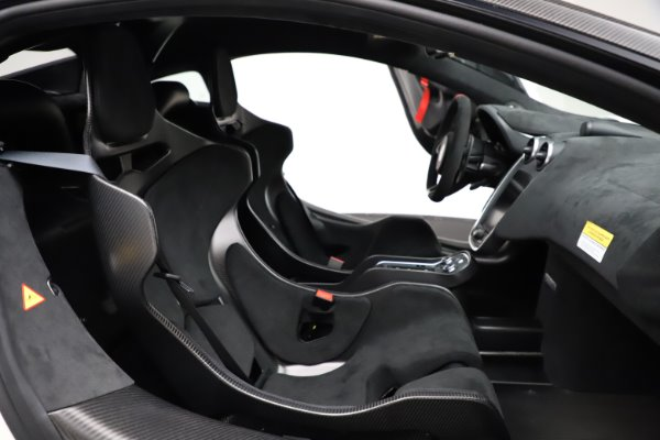 New 2020 McLaren 620R for sale $312,605 at Maserati of Greenwich in Greenwich CT 06830 21
