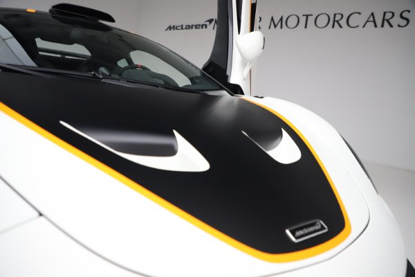 New 2020 McLaren 620R for sale $312,605 at Maserati of Greenwich in Greenwich CT 06830 27
