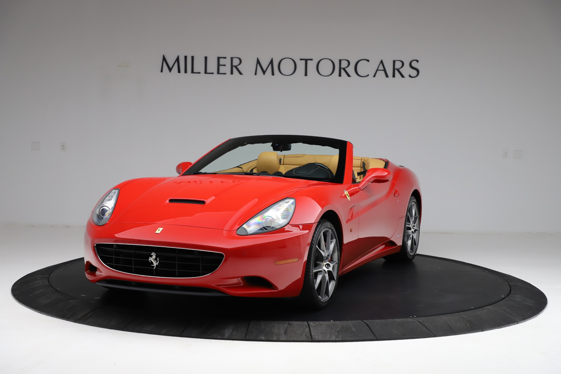 Used 2010 Ferrari California for sale $114,900 at Maserati of Greenwich in Greenwich CT 06830 1