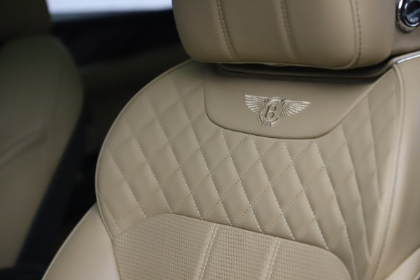 Used 2018 Bentley Bentayga W12 Signature for sale $159,900 at Maserati of Greenwich in Greenwich CT 06830 19