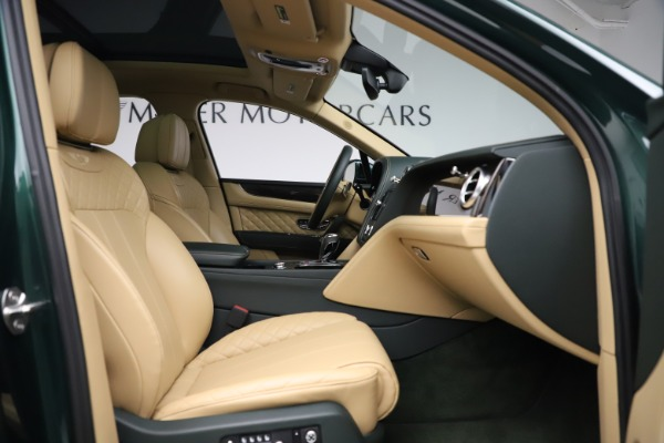 Used 2018 Bentley Bentayga W12 Signature for sale $159,900 at Maserati of Greenwich in Greenwich CT 06830 25