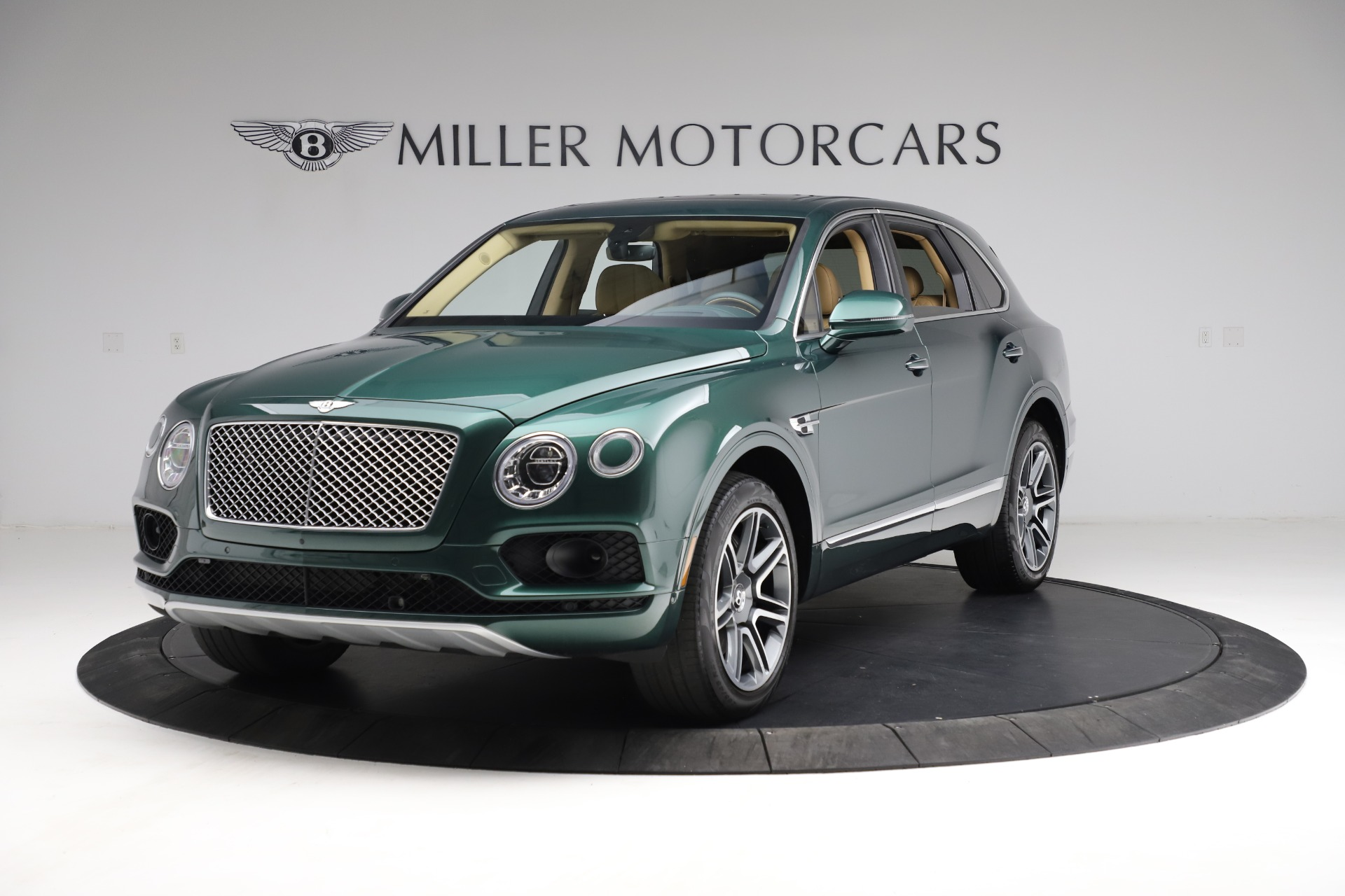 Used 2018 Bentley Bentayga W12 Signature for sale $159,900 at Maserati of Greenwich in Greenwich CT 06830 1