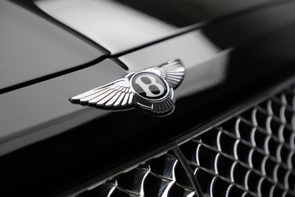 Used 2018 Bentley Bentayga W12 Signature for sale $153,900 at Maserati of Greenwich in Greenwich CT 06830 15