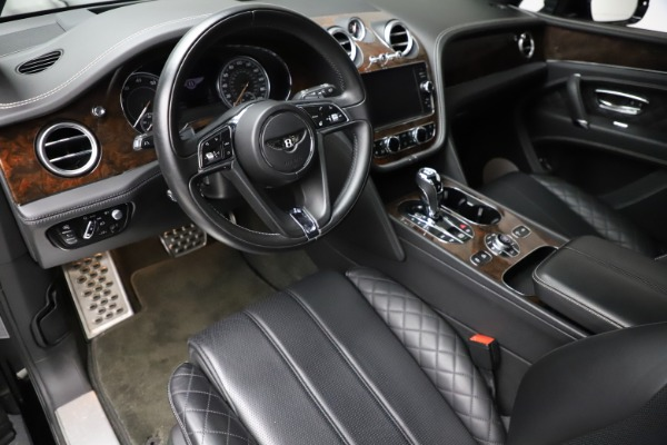 Used 2018 Bentley Bentayga W12 Signature for sale $153,900 at Maserati of Greenwich in Greenwich CT 06830 18
