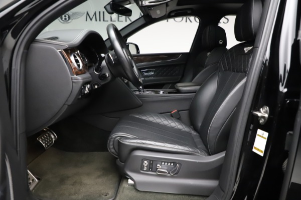 Used 2018 Bentley Bentayga W12 Signature for sale $153,900 at Maserati of Greenwich in Greenwich CT 06830 19