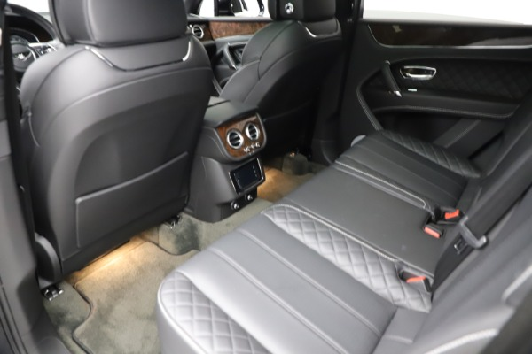 Used 2018 Bentley Bentayga W12 Signature for sale $153,900 at Maserati of Greenwich in Greenwich CT 06830 22