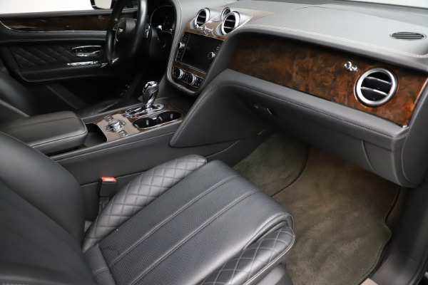 Used 2018 Bentley Bentayga W12 Signature for sale $153,900 at Maserati of Greenwich in Greenwich CT 06830 25