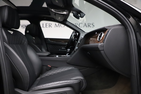 Used 2018 Bentley Bentayga W12 Signature for sale $153,900 at Maserati of Greenwich in Greenwich CT 06830 27