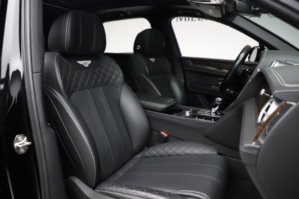 Used 2018 Bentley Bentayga W12 Signature for sale $153,900 at Maserati of Greenwich in Greenwich CT 06830 28