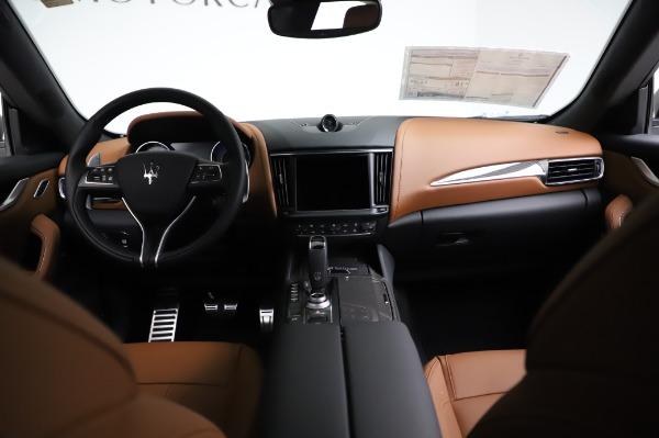 New 2021 Maserati Levante Q4 GranSport for sale $91,385 at Maserati of Greenwich in Greenwich CT 06830 17