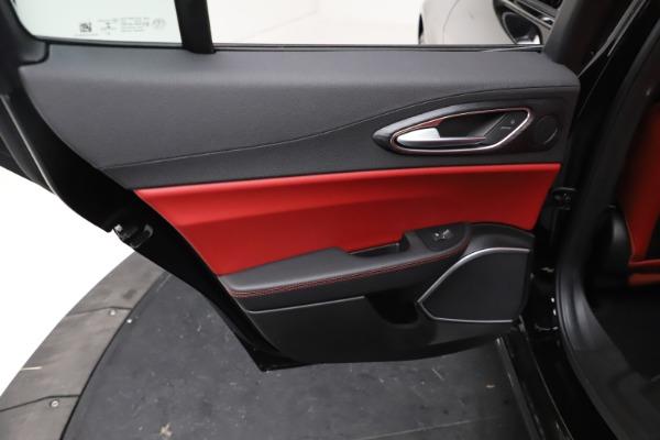New 2021 Alfa Romeo Giulia Q4 for sale $48,535 at Maserati of Greenwich in Greenwich CT 06830 21