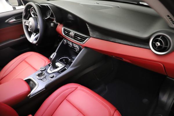 New 2021 Alfa Romeo Giulia Q4 for sale $48,535 at Maserati of Greenwich in Greenwich CT 06830 22