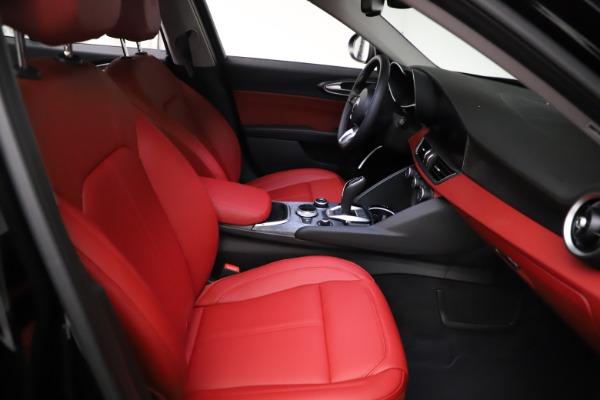 New 2021 Alfa Romeo Giulia Q4 for sale $48,535 at Maserati of Greenwich in Greenwich CT 06830 23