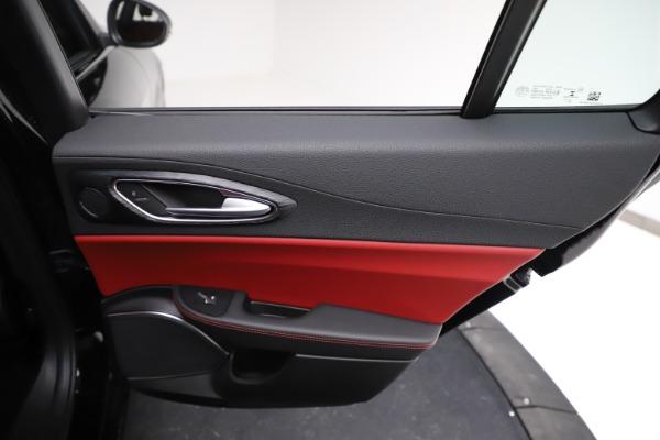 New 2021 Alfa Romeo Giulia Q4 for sale $48,535 at Maserati of Greenwich in Greenwich CT 06830 27