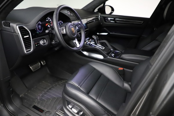 Used 2020 Porsche Cayenne Turbo for sale $145,900 at Maserati of Greenwich in Greenwich CT 06830 18