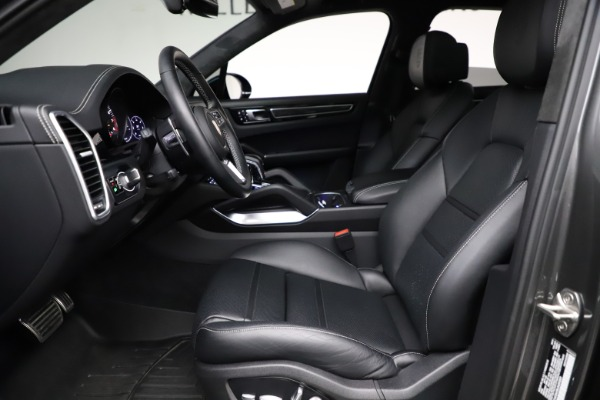 Used 2020 Porsche Cayenne Turbo for sale $145,900 at Maserati of Greenwich in Greenwich CT 06830 19
