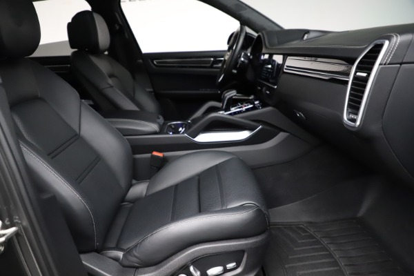 Used 2020 Porsche Cayenne Turbo for sale $145,900 at Maserati of Greenwich in Greenwich CT 06830 23