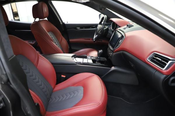 Used 2018 Maserati Ghibli SQ4 GranLusso for sale $55,900 at Maserati of Greenwich in Greenwich CT 06830 17
