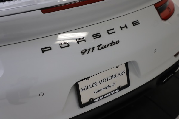 Used 2018 Porsche 911 Turbo for sale $159,990 at Maserati of Greenwich in Greenwich CT 06830 27