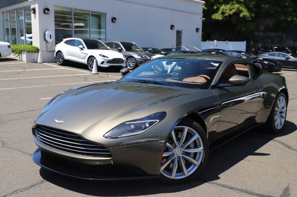 Used 2018 Aston Martin DB11 V8 for sale $151,900 at Maserati of Greenwich in Greenwich CT 06830 24